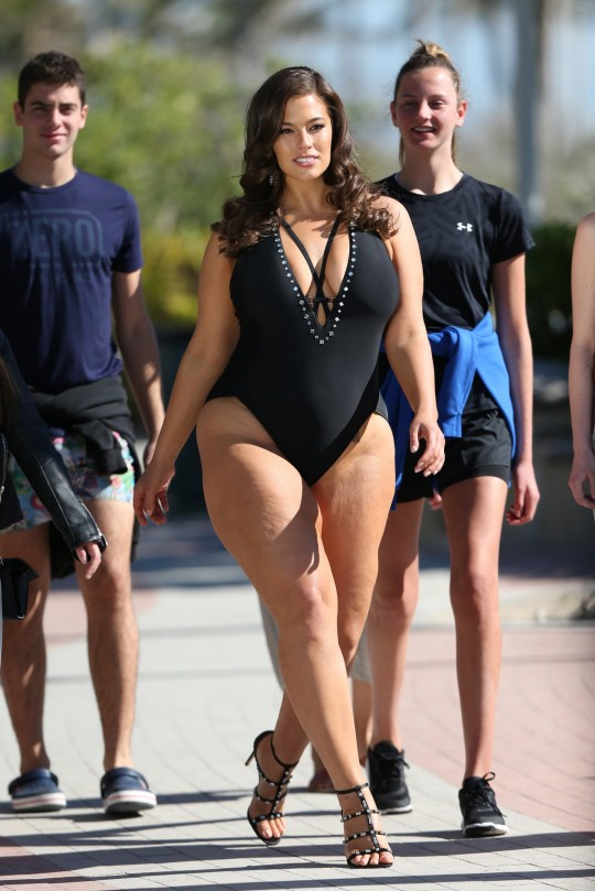 72998781319ab 100357, Model Ashley Graham draws a crowd as she shoots a commercial for her  swimwear