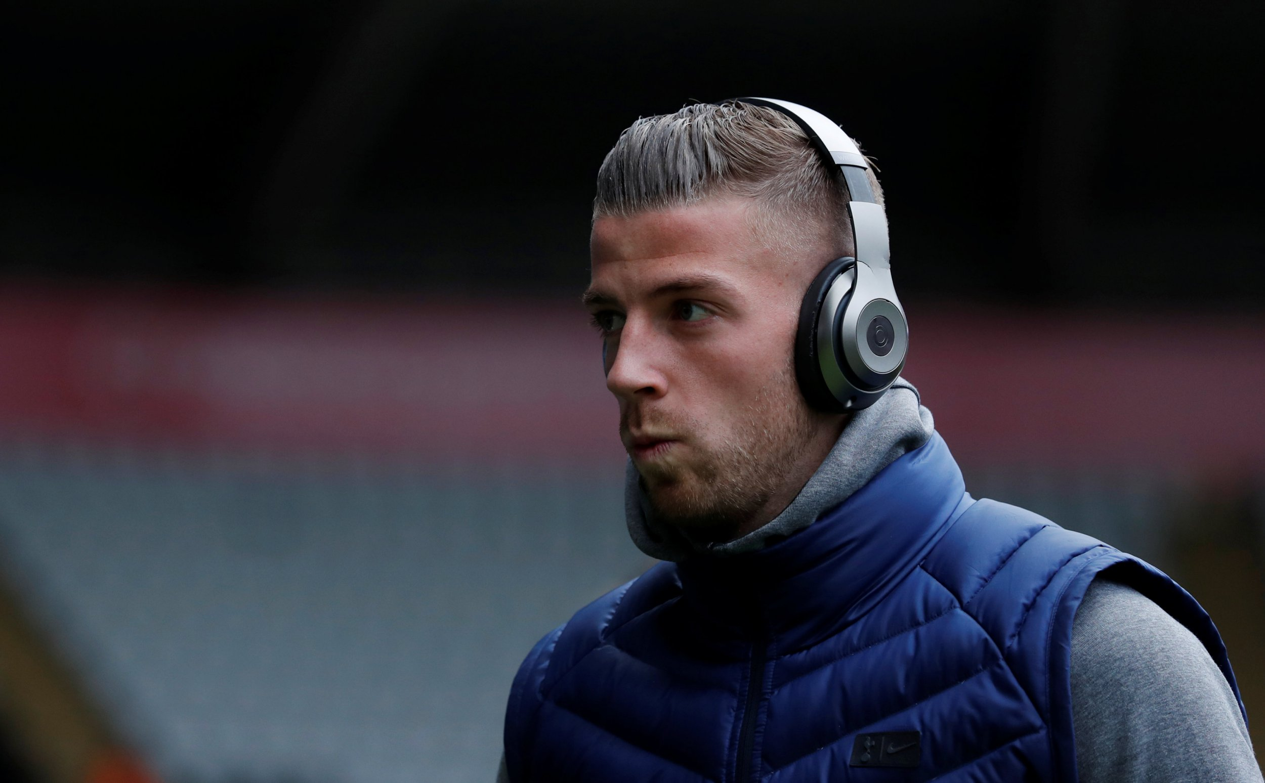 Maurico Pochettino says Toby Alderweireld does not deserve to play amid Manchester United links
