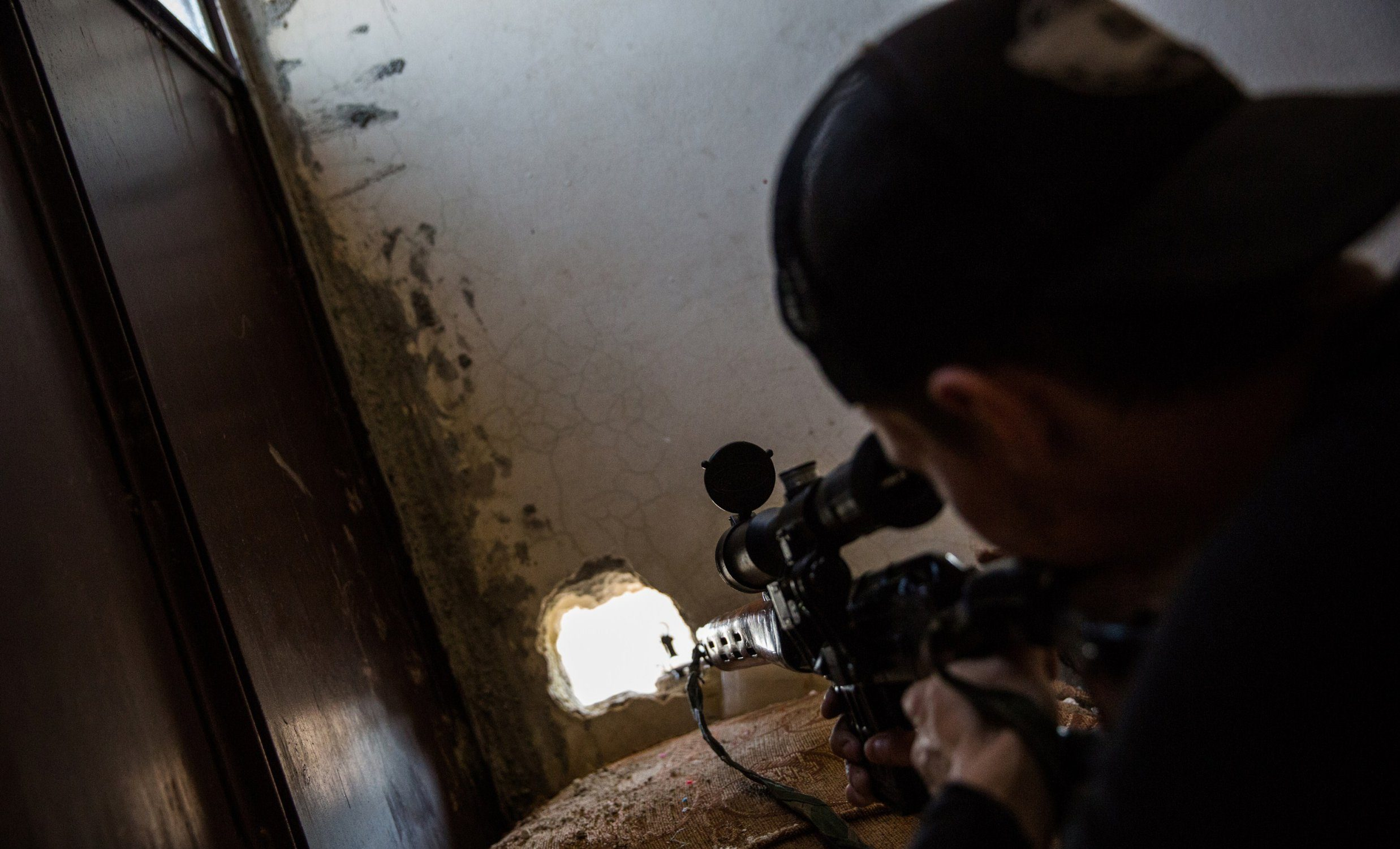 SAS sniper kills Isis chief with 'one in a million' shot from nearly a mile away