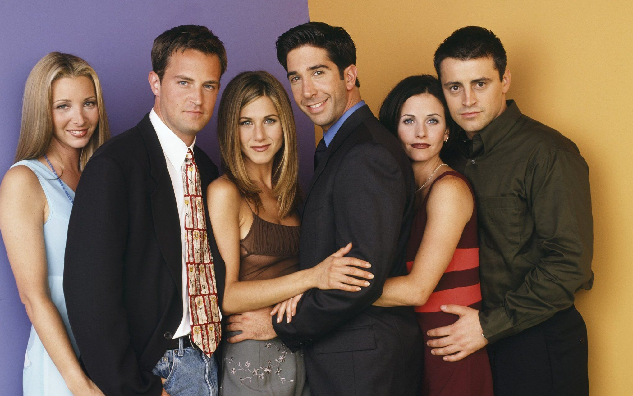FRIENDS -- Pictured: (l-r) Lisa Kudrow as Phoebe Buffay, Matthew Perry as Chandler Bing, Jennifer Aniston as Rachel Green, David Schwimmer as Ross Geller, Courteney Cox as Monica Geller, Matt LeBlanc as Joey Tribbiani, (Photo by Jon Ragel/NBC/NBCU Photo Bank via Getty Images)