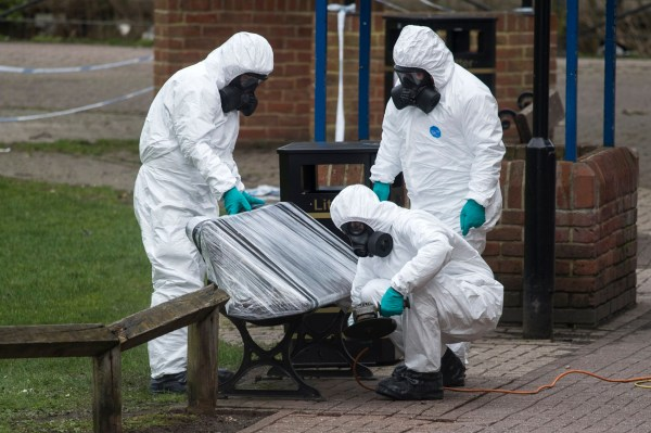 epa06623860 Army officers remove the bench, where Sergei Skripal and his daughter were found, in Salisbury, Wiltshire, Britain, 23 March 2018. Former Russian spy Sergei Skripal, who lived in Salisbury and his daughter Yulia were found suffering from extreme exposure to a rare nerve agent in Salisbury on 04 March 2018. Skripal and his daughter Yulia remain in a 'very serious' condition. EPA/WILL OLIVER