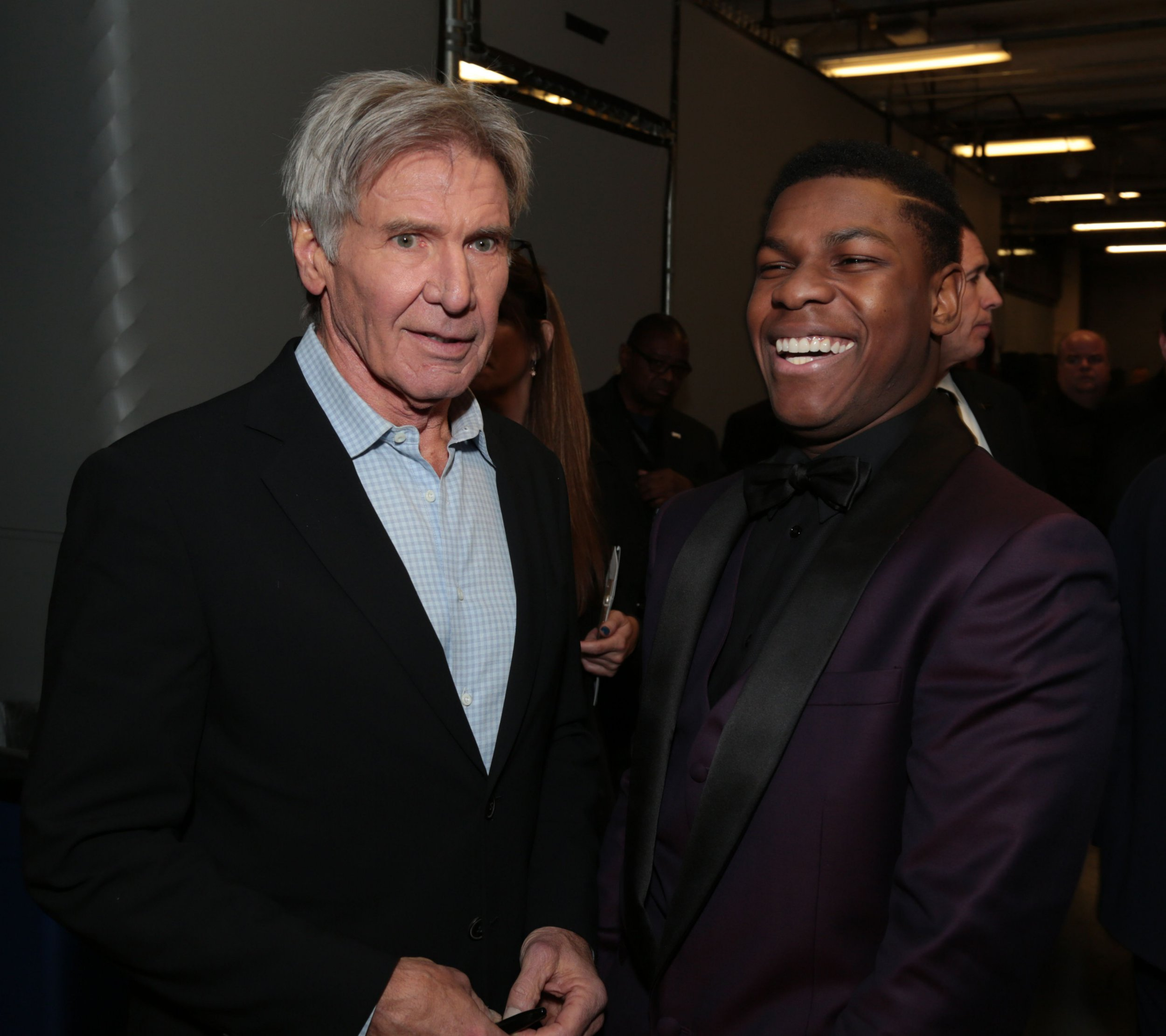 John Boyega and Harrison Ford take first class flight to Tokyo together and have ultimate #bants