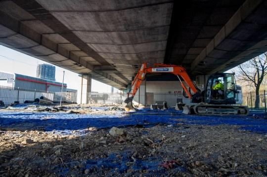 BBC's DIY SOS Nick Knowles and his team begin building