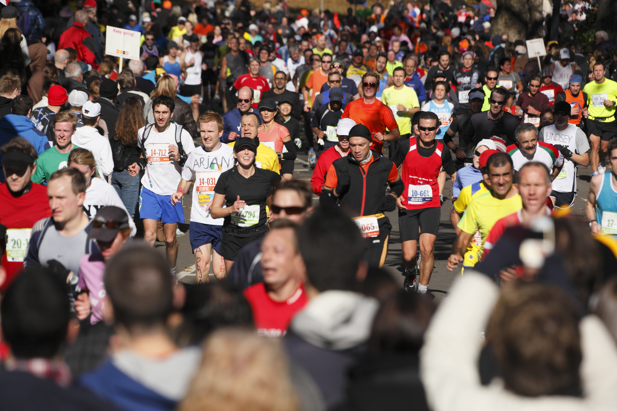 More than 40,000 runners face hottest London Marathon on record