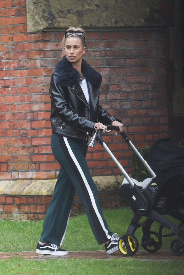 BGUK_1191678 - Essex, UNITED KINGDOM - *EXCLUSIVE* - Ferne McCann spotted with baby Sunday a year on from Ex boyfriend Arthur Collins acid attack. Ferne looks down in the dumps as she ponders what happened a year on since last Easter bank holiday weekend. Pictured: Ferne McCann BACKGRID UK 2 APRIL 2018 BYLINE MUST READ: JAIMIE/JOSH / BACKGRID UK: +44 208 344 2007 / uksales@backgrid.com USA: +1 310 798 9111 / usasales@backgrid.com *UK Clients - Pictures Containing Children Please Pixelate Face Prior To Publication*