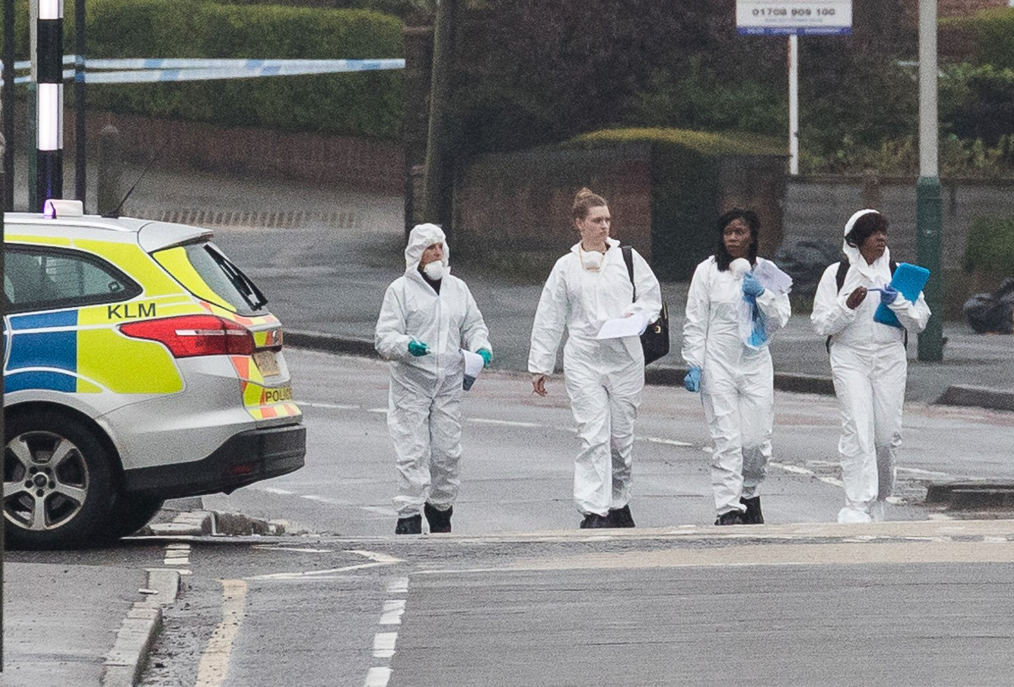 ? Licensed to London News Pictures. 09/04/2018. London, UK. Police and forensic officers at the scene in Collier Row, Romford where at 4:45hrs a man was shot by police and pronounced dead at the scene. Photo credit: Vickie Flores/LNP