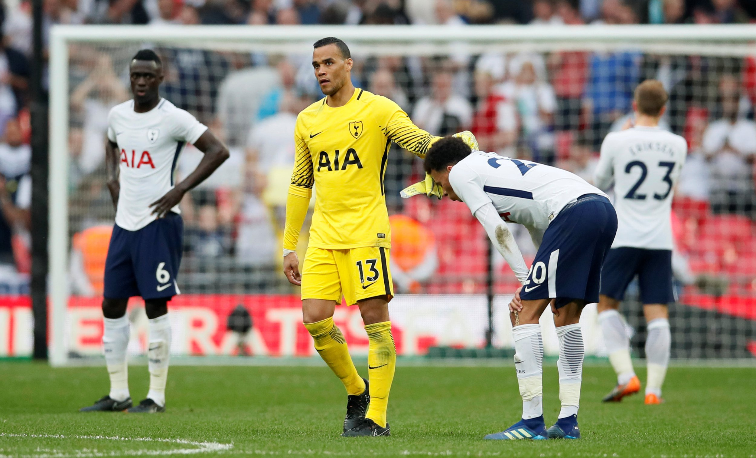 Mauricio Pochettino defends Michel Vorm decision after FA Cup heartbreak