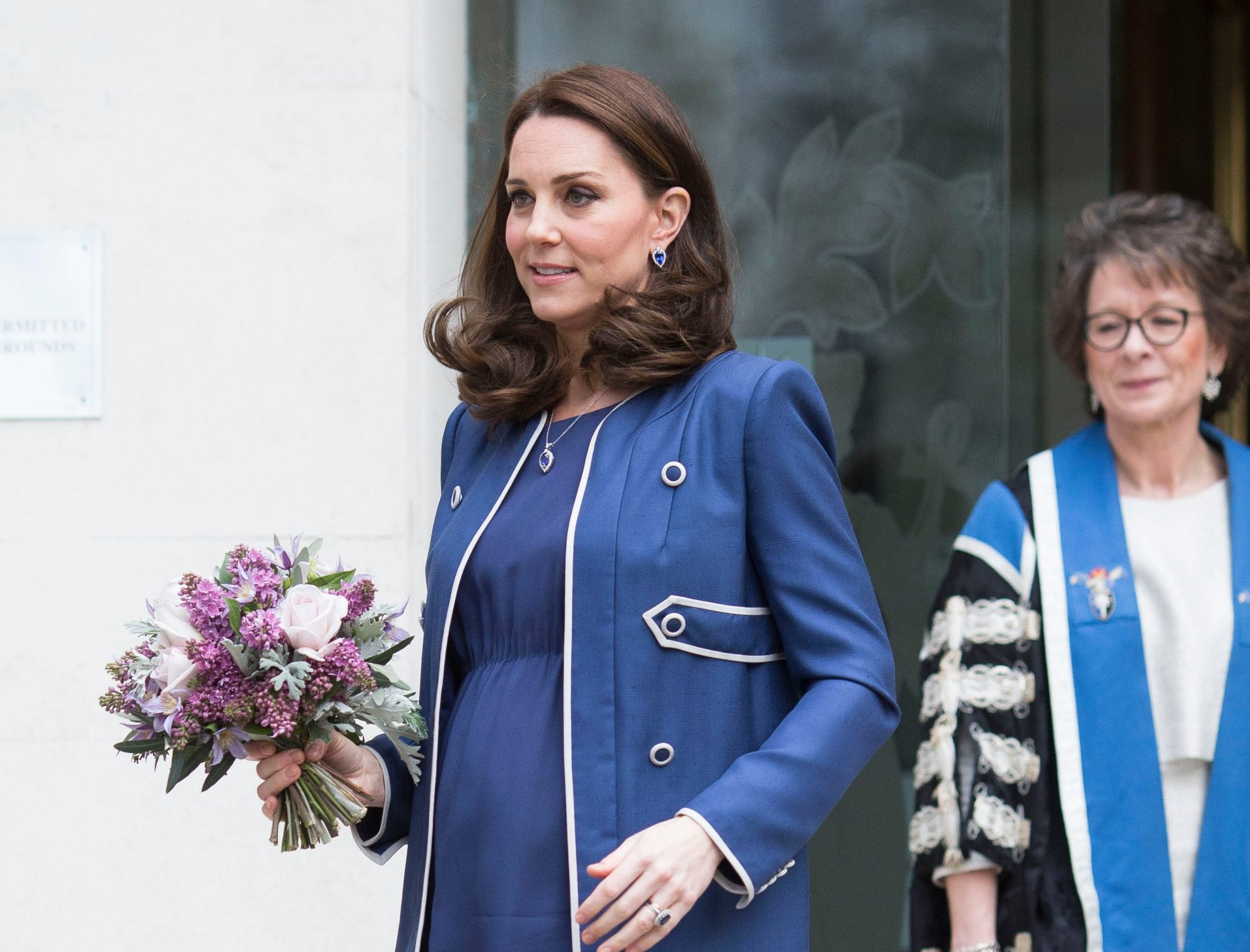 Mandatory Credit: Photo by DAVID HARTLEY/REX/Shutterstock (9439896t) Catherine Duchess of Cambridge at St Thomas' Hospital Catherine Duchess of Cambridge visits the Royal College of Obstetricians and Gynaecologists, London, UK - 27 Feb 2018