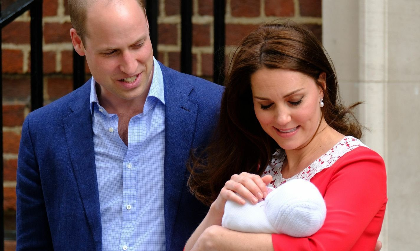 Mandatory Credit: Photo by Alan J Davidson/SHM/REX/Shutterstock (9640233fl) Prince William and Catherine Duchess of Cambridge Catherine Duchess of Cambridge gives birth to her third child, Lindo Wing, St Mary's Hospital, London, UK - 23 Apr 2018
