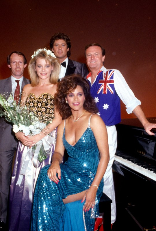 SYDNEY, AUSTRALIA -MARCH 12: (L-R) Unidentified man, American beauty pageant Pamela Gidley winner of the Most Beautiful girl in the World poses with singers American David Hasselhoff and Australian Peter Allen and Jayne Kennedy at the State Sport Centre in Homebush March 12, 1985 in Sydney, Australia. The pageant was telecast was live and only American viewers could vote by phone. (Photo by Patrick Riviere/Getty Images)