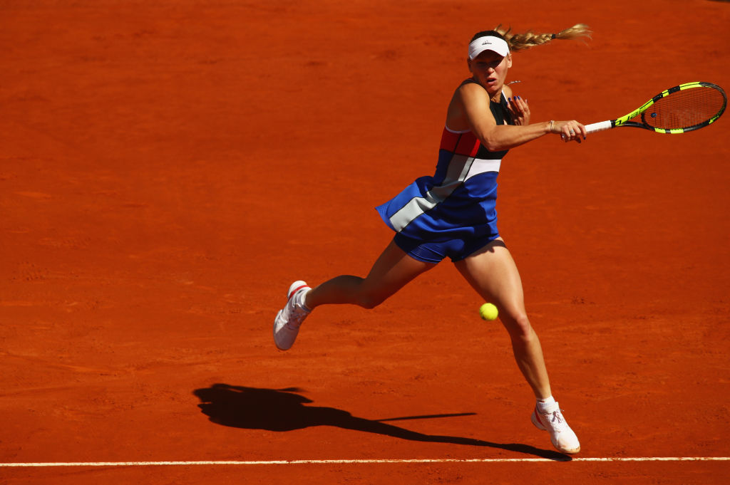 Caroline Wozniacki begins quest to replace Simon Halep to world No. 1 with solid Madrid Open win