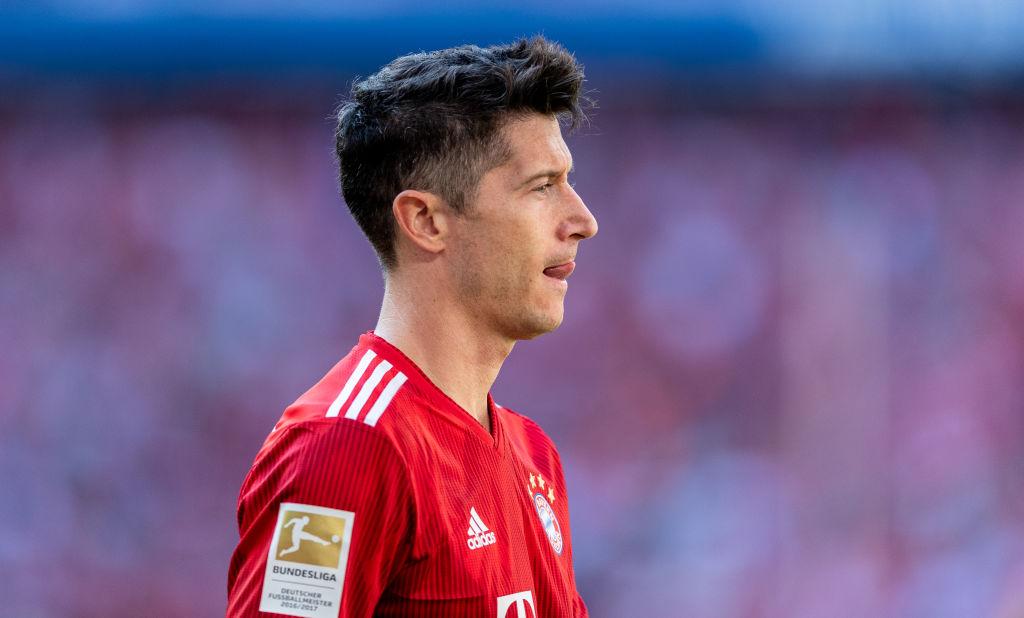Bayern CEO 'taking bets' on Chelsea target Robert Lewandowski not leaving this summer