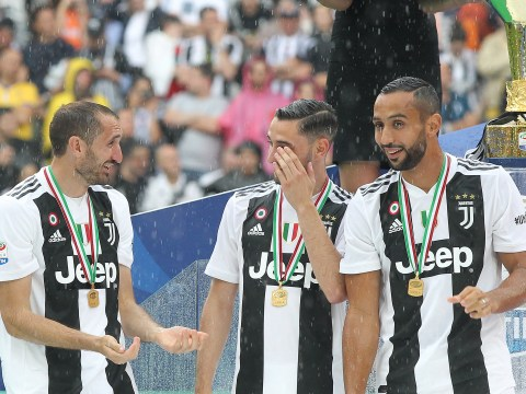 Juventus star Medhi Benatia brutally left hanging by model at Serie A winners ceremony