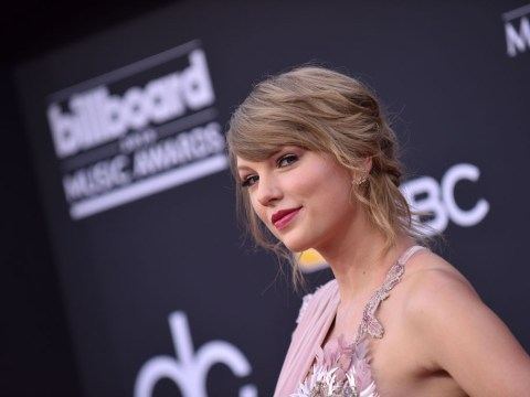 Taylor Swift served up some serious sass during Kelly Clarkson's BBMAs performance