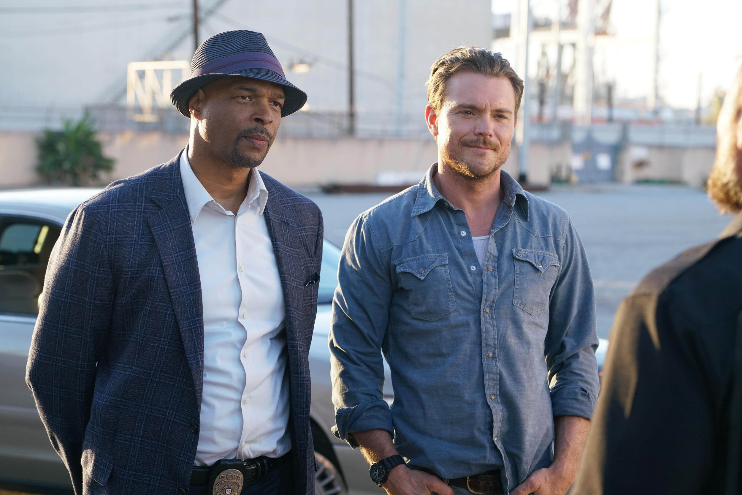 From Warner Bros Film: Lethal Weapon on ITV Pictured: Roger Murtaugh [Damon Wayans] and Martin Riggs [Clayne Crawford]. This photograph is (C) Warner Bros and can only be reproduced for editorial purposes directly in connection with the programme or event mentioned above, or ITV plc. Once made available by ITV plc Picture Desk, this photograph can be reproduced once only up until the transmission [TX] date and no reproduction fee will be charged. Any subsequent usage may incur a fee. This photograph must not be manipulated [excluding basic cropping] in a manner which alters the visual appearance of the person photographed deemed detrimental or inappropriate by ITV plc Picture Desk. This photograph must not be syndicated to any other company, publication or website, or permanently archived, without the express written permission of ITV Plc Picture Desk. Full Terms and conditions are available on the website www.itvpictures.com For further information please contact: james.hilder@itv.com / 0207 157 3052