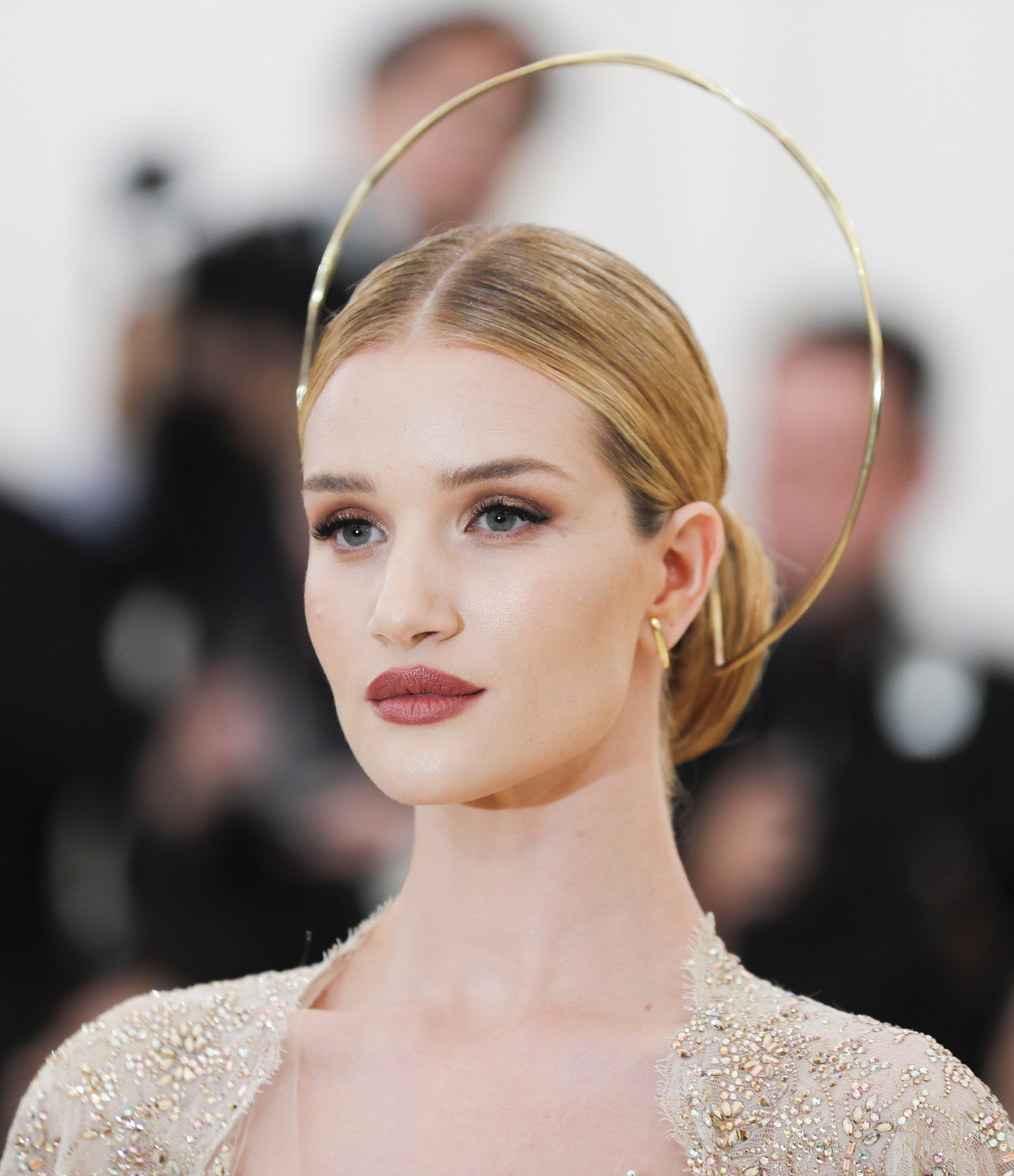 Rosie Huntington Whiteley wore an actual halo to the Met Gala because she's an angel