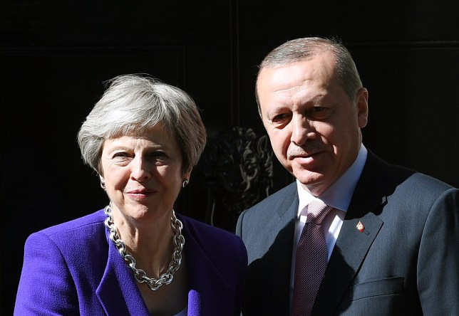 epa06739247 British Prime Minister Theresa May (L) welcomes President of Turkey Recep Tayyip Erdogan (R) to 10 Downing Street in London, Britain, 15 May 2018. Erdogan is on the last day of a three day visit to Britain. EPA/ANDY RAIN