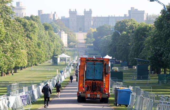 A bin lorry makes its way down the Long Walk in Windsor, as the clean-up continues after the royal wedding. PRESS ASSOCIATION Photo. Picture date: Sunday May 20, 2018. See PA story ROYAL Wedding. Photo credit should read: Andrew Matthews/PA Wire