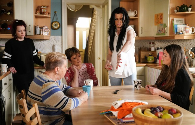The Slaters consider what to do in EastEnders