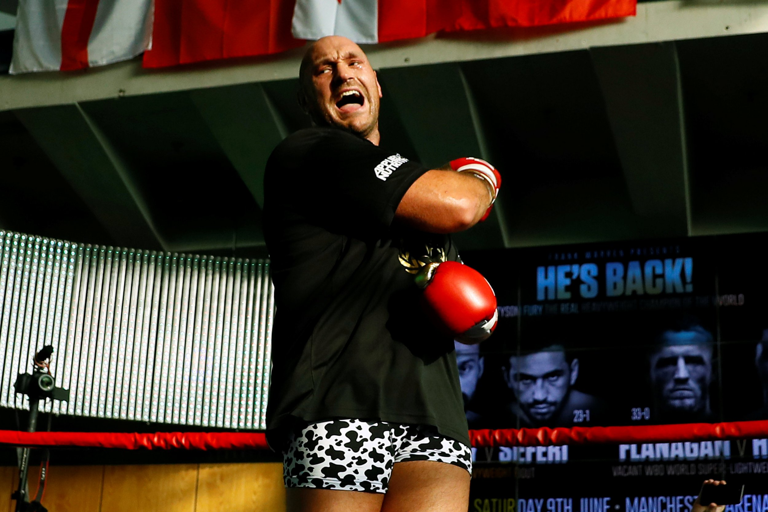 Tony Bellew: I'll be coming for Tyson Fury if he continues to fight clowns