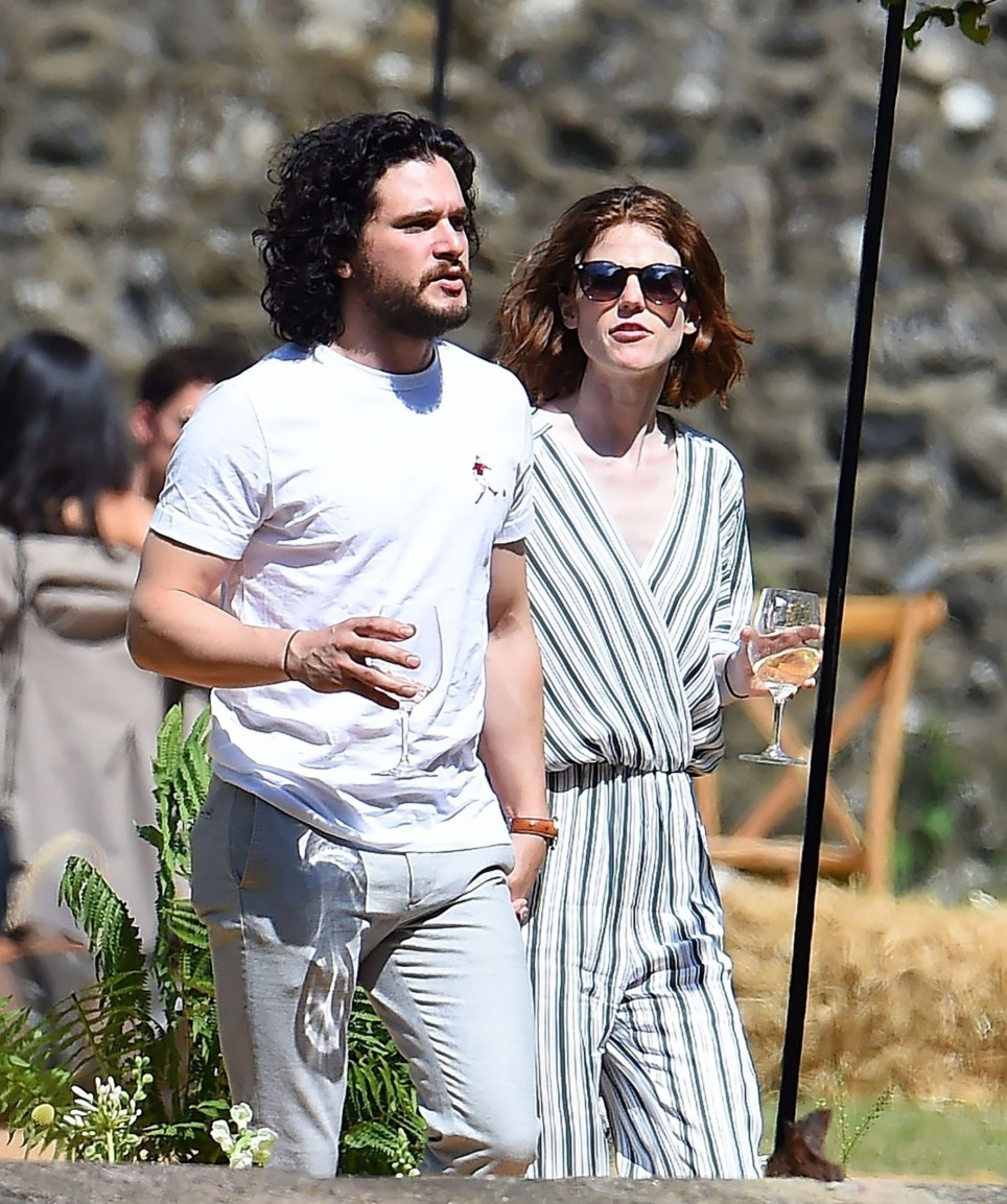 Kit Harington Wedding.Photos Game Of Thrones Kit Harington And Rose Leslie Celebrate