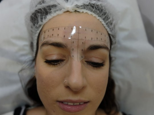 A step-by-step guide to the microblading eyebrows process