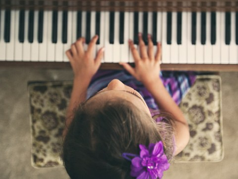 Teaching kids the piano might help them linguistically develop faster