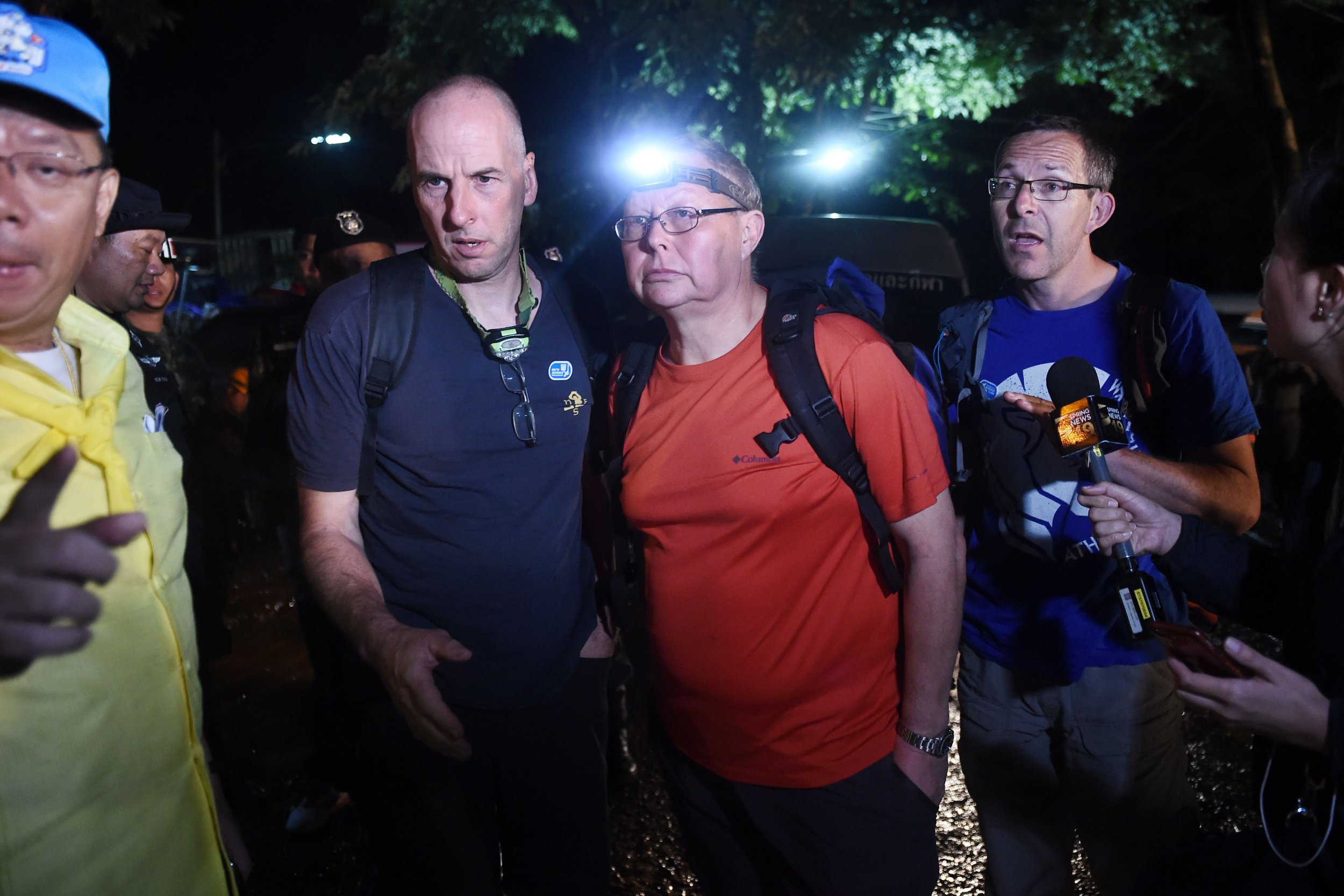 Calls to honour hero British divers who helped rescue boys from Thailand cave