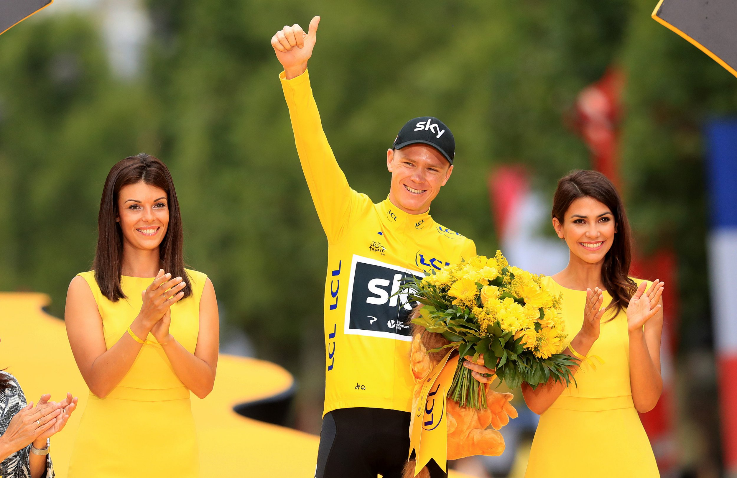 Chris Froome cleared to defend Tour de France title as anti-doping case is dropped