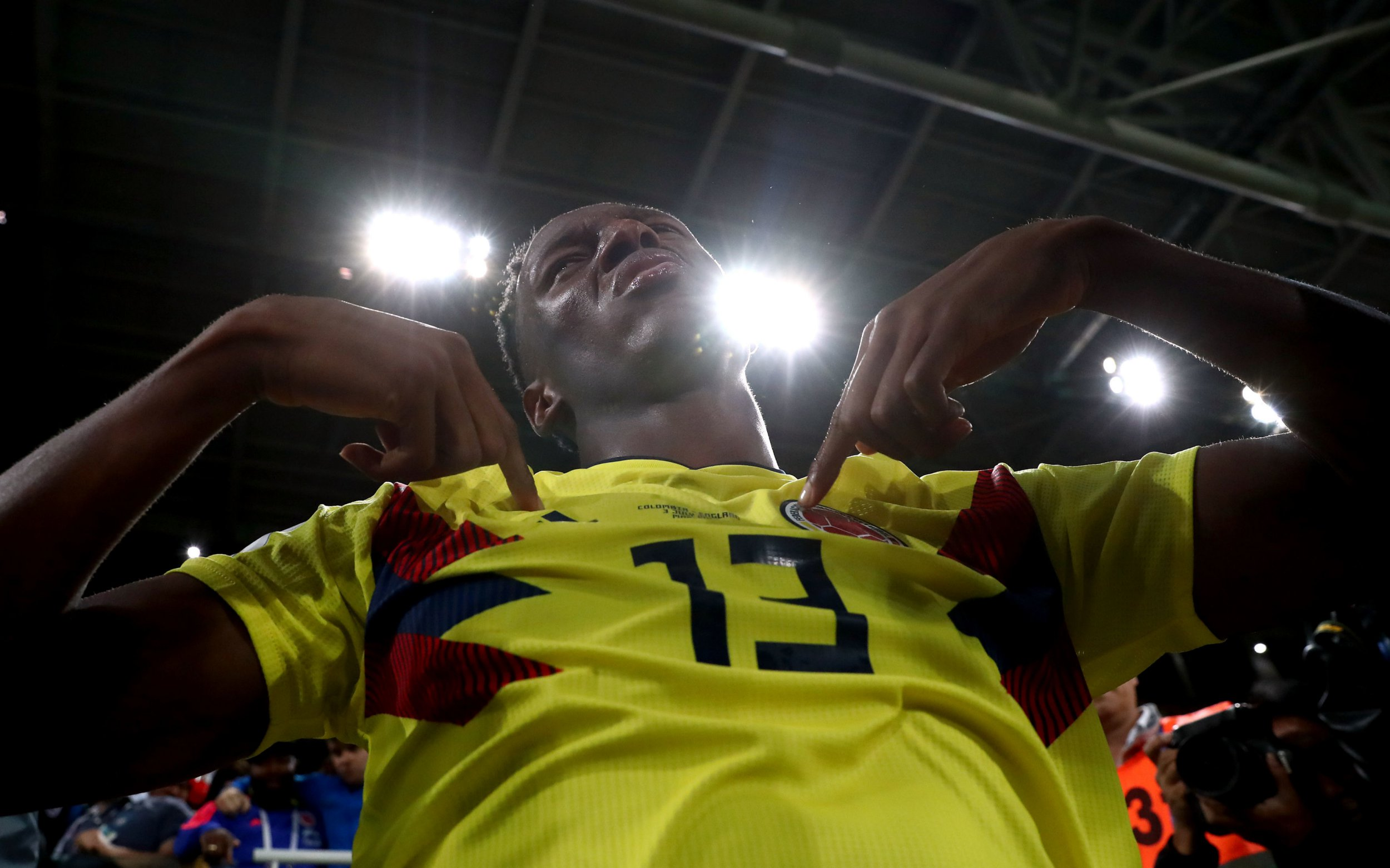 Barcelona may sell Liverpool transfer target Yerry Mina