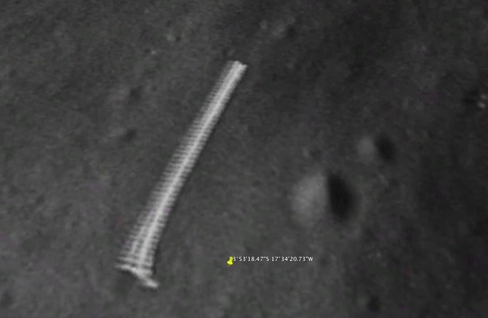 Nasa accused of deleting images of 'alien structure' on moon