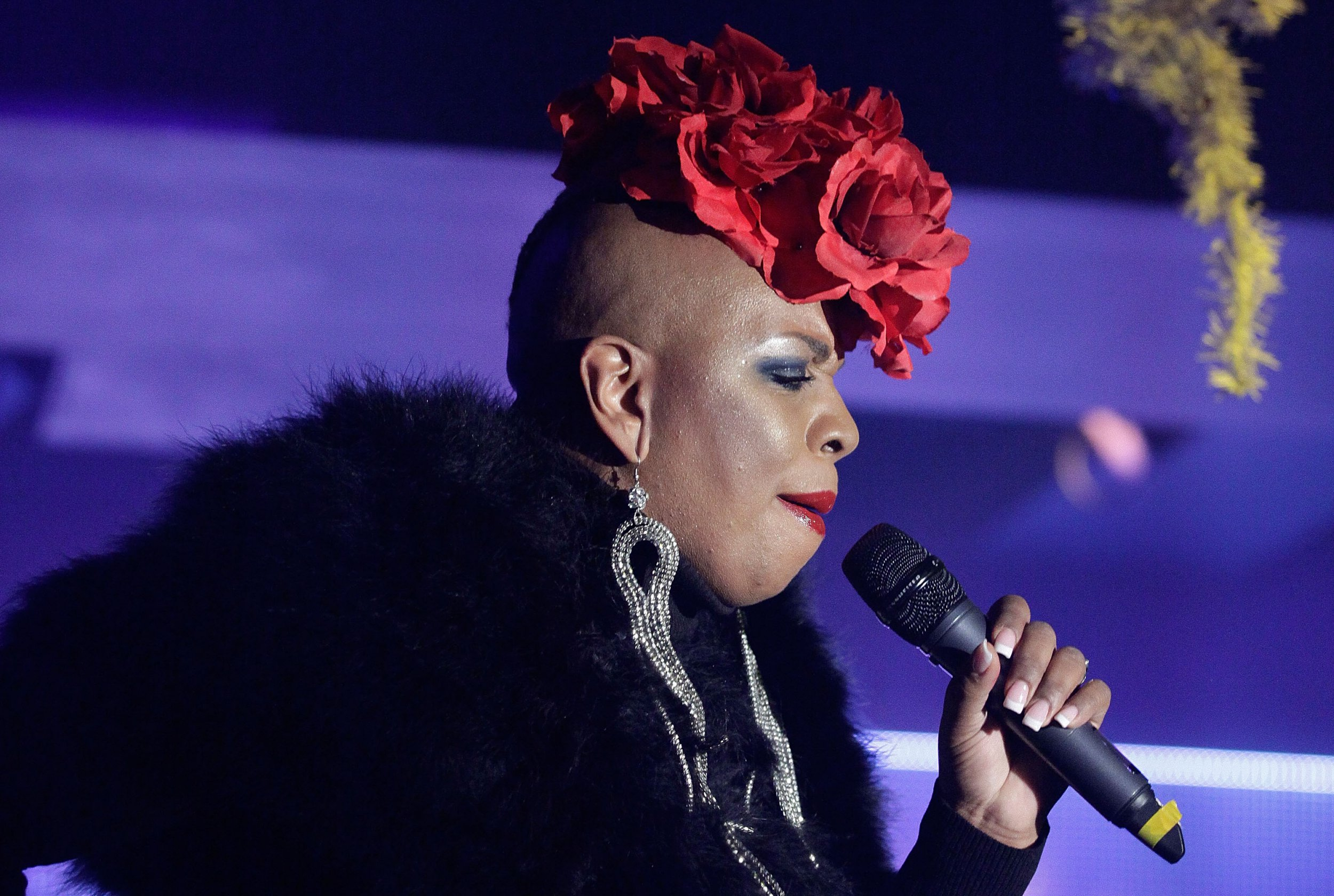 X Factor 2018: Legendary 90s chart-topper Janice Robinson auditions for Simon Cowell, Louis Tomlinson, Ayda Field and Robbie Williams
