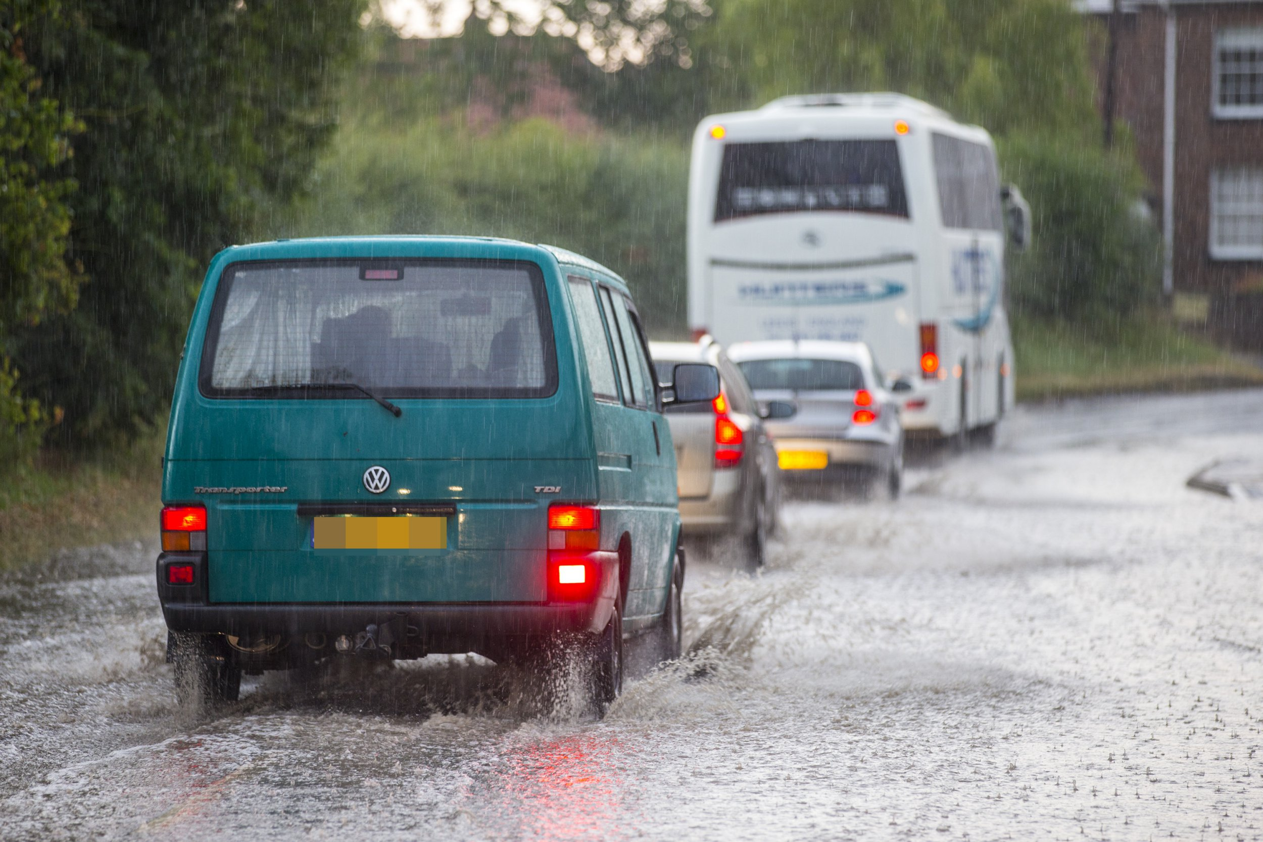 ? Licensed to London News Pictures. 26/07/2018. Garton on the wolds UK. Heavy thunderstorms have hit Yorkshire this evening causing roads to flood in Garton-on-the-wolds. Photo credit: Andrew McCaren/LNP
