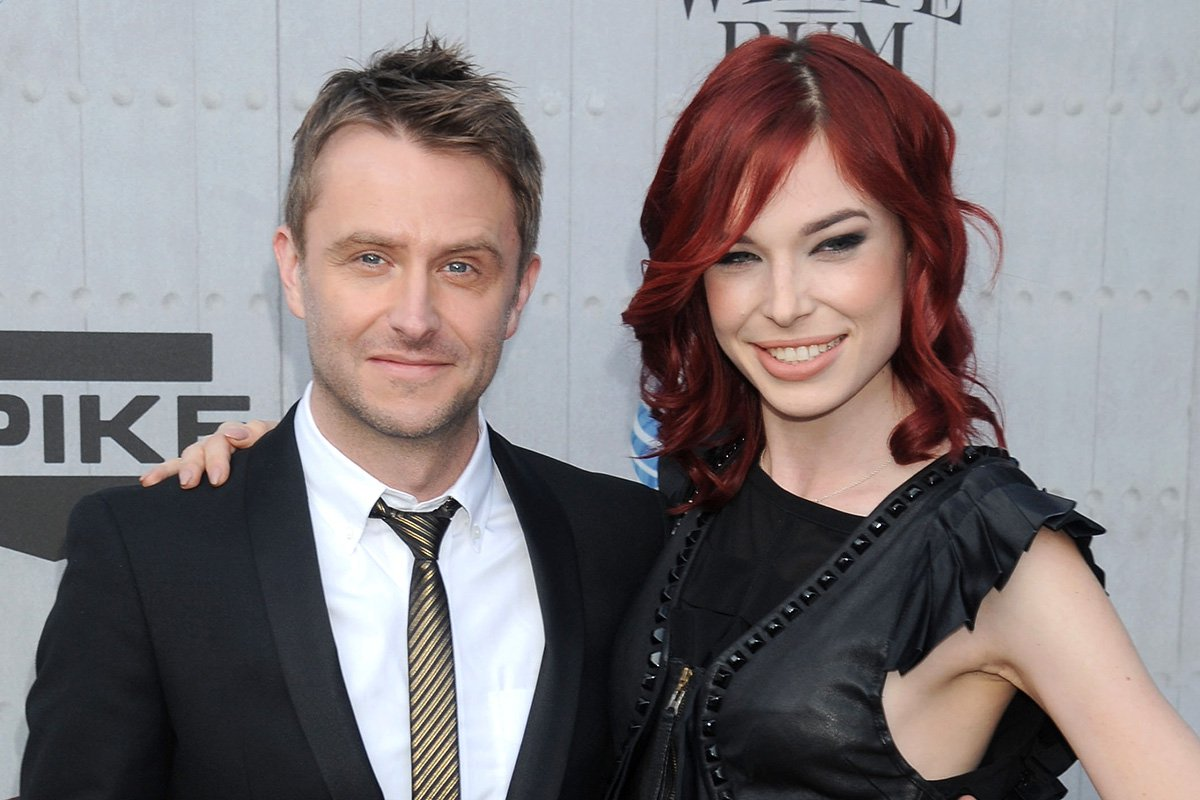"""LOS ANGELES, CA - JUNE 07: Chris Hardwick and Chloe Dykstra arrive at Spike TV's """"Guys Choice"""" Awards at Sony Studios on June 7, 2014 in Los Angeles, California. (Photo by Gregg DeGuire/WireImage)"""