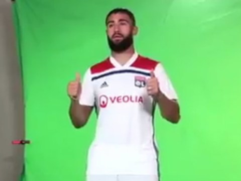 Nabil Fekir looks utterly miserable posing for Lyon pictures after failed Liverpool move