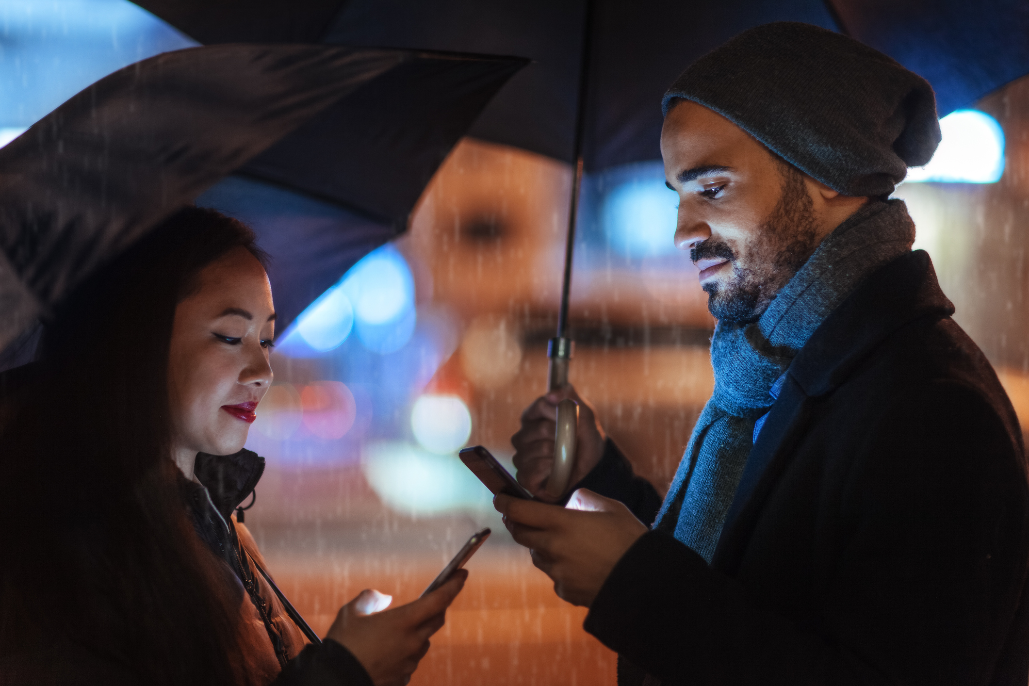 Deleting your dating app is the best way to show commitment in a new relationship