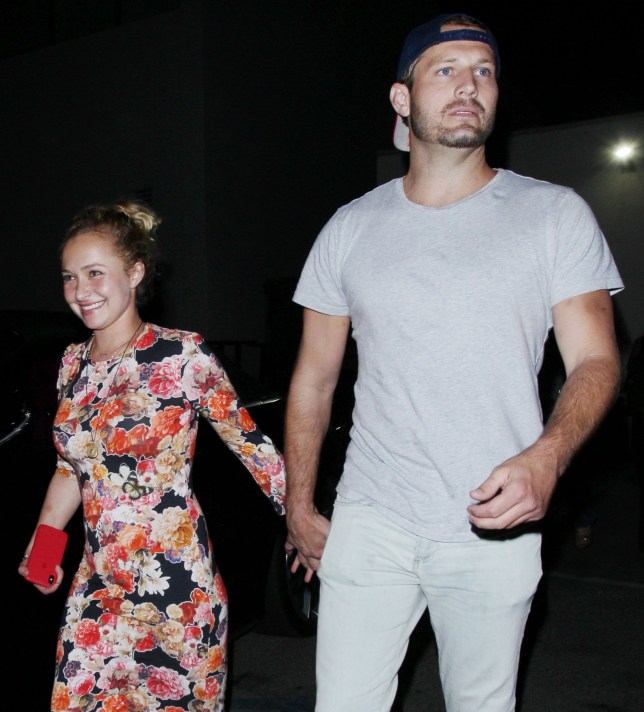Actress Hayden Panettiere goes barefoot as she leaves a restaurant with a handsome male companion in Los Angeles, CA. Pictured: Hayden Panettiere Ref: SPL5014123 020818 NON-EXCLUSIVE Picture by: SplashNews.com Splash News and Pictures Los Angeles: 310-821-2666 New York: 212-619-2666 London: 0207 644 7656 Milan: +39 02 4399 8577 Sydney: +61 02 9240 7700 photodesk@splashnews.com World Rights, No Belgium Rights, No Brazil Rights, No France Rights, No Netherlands Rights, No Poland Rights, No Russia Rights