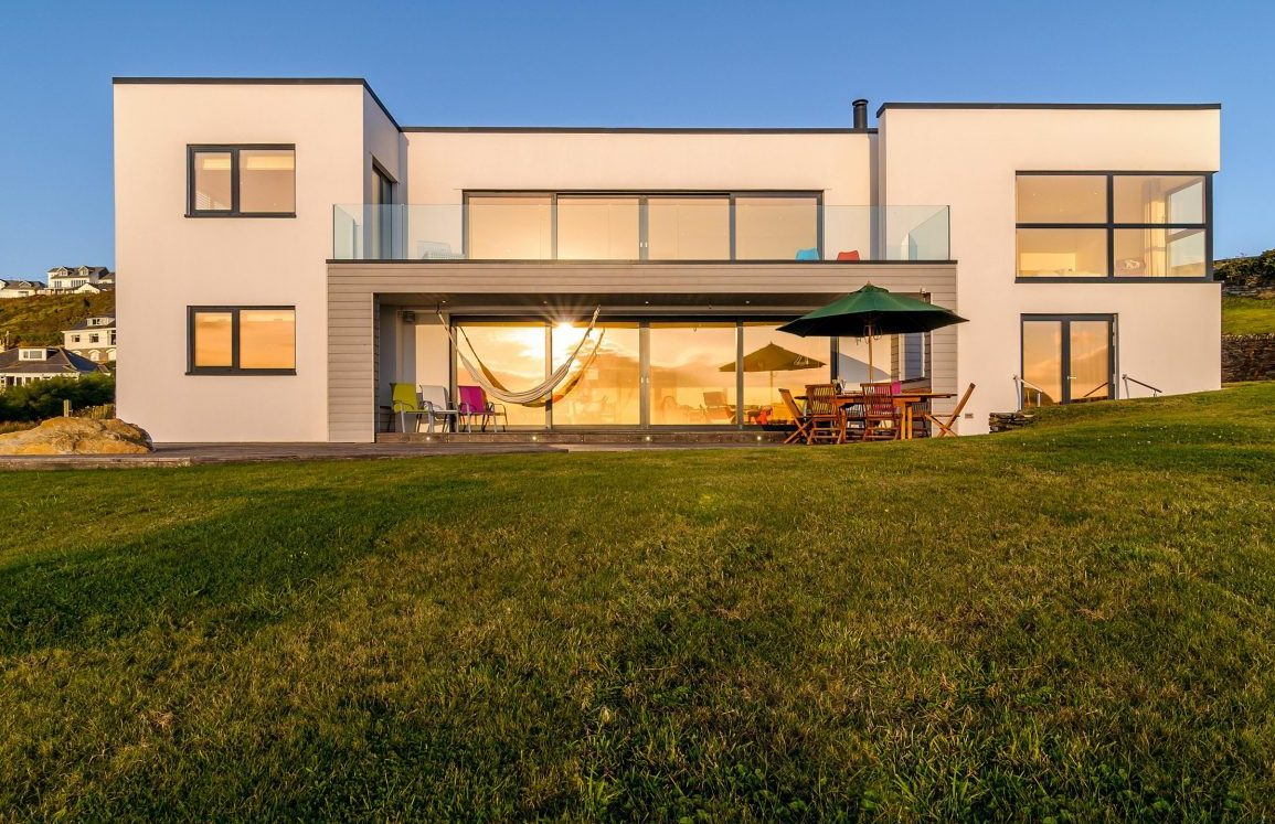BNPS.co.uk (01202 558833)?Pic: KnightFrank/BNPS Surfers' paradise... An award-winning eco-friendly home with spectacular far-reaching sea views - on the market for ?3.5m - is the perfect property for surfers and beach bums. Tanzarra looks out over Mawgan Porth beach, a beautiful sandy beach that is shielded on both sides by cliffs, with access from the house over National Trust land. Mawgan Porth has excellent surfing waves but is generally quieter than the nearby internationally-renowned Fistral Beach. The house caters for keen surfers with a surfboard store room and wet room so you can shower straight from the beach without bringing sand in.