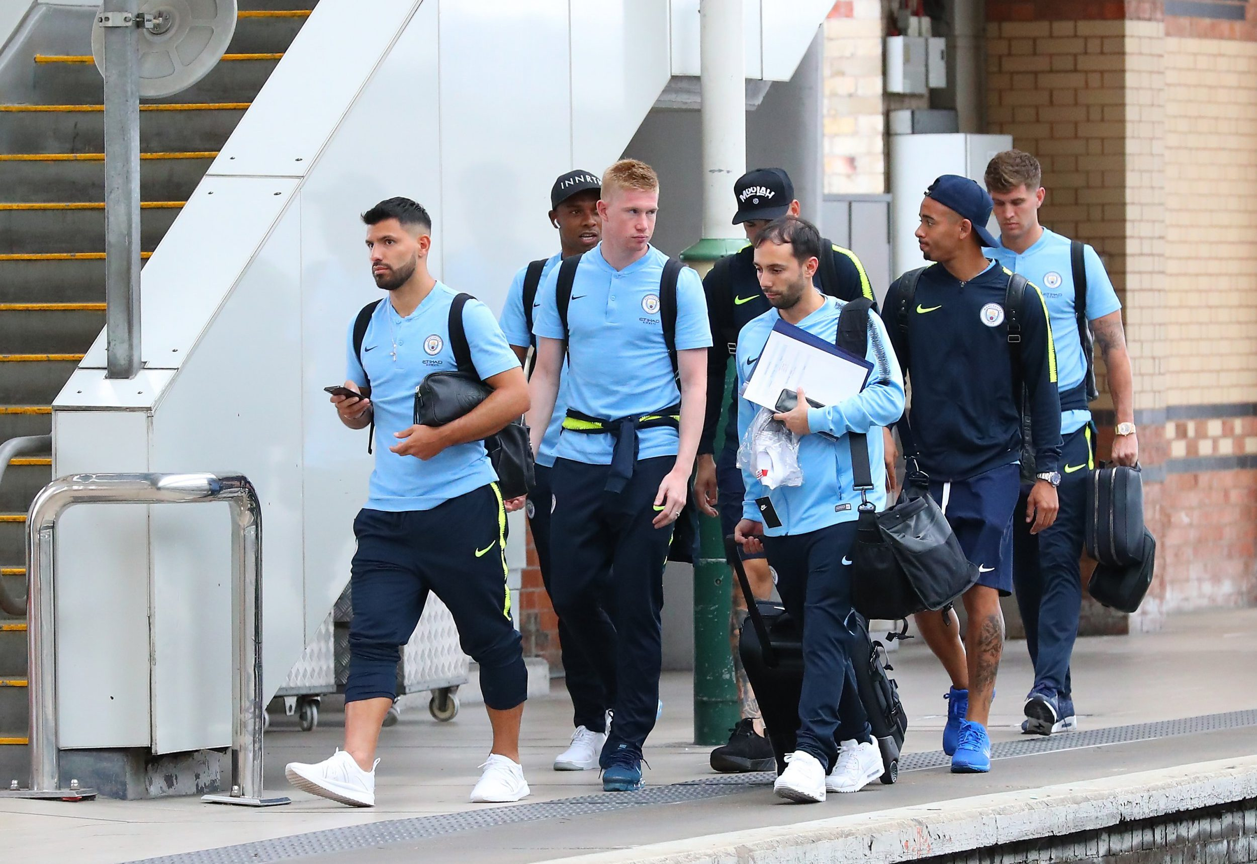 11.8.18???. The Manchester City team get the train to London on Saturday afternoon for the Arsenal match???.. Sergio Aguero, Fernandinho, Kevin De Bruyne, Ederson, Gabriel Jesus and John Stones.