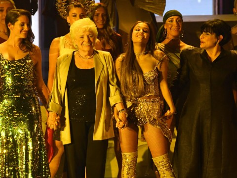 MTV VMAs 2018: Ariana Grande brings mum and grandma onstage after slaying performance