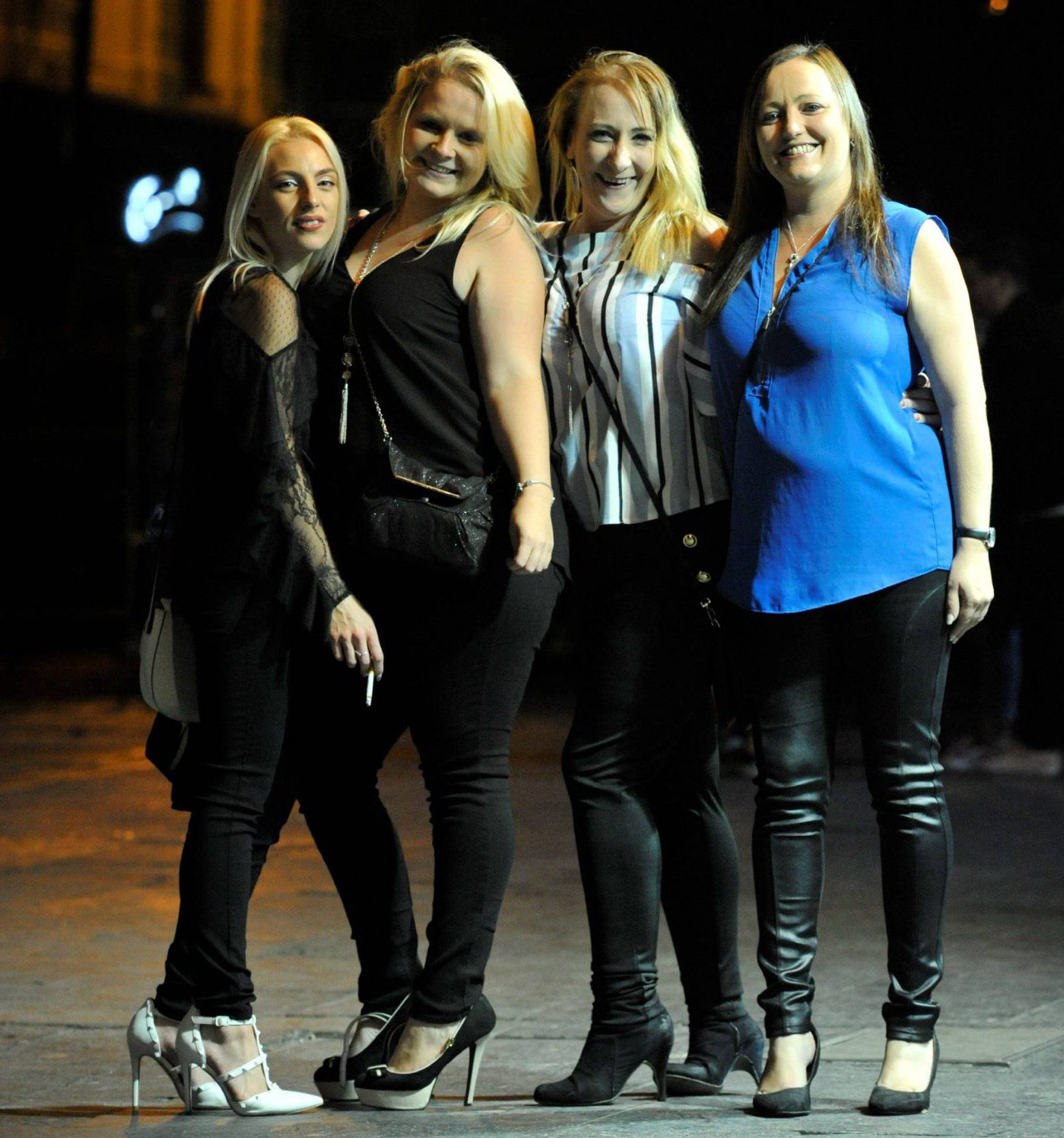 Dated: 25/08/2018 Revellers enjoy a night on the town as drinkers hit Newcastle's Bigg Market to mark the start of August Bank Holiday weekend last night (FRI).