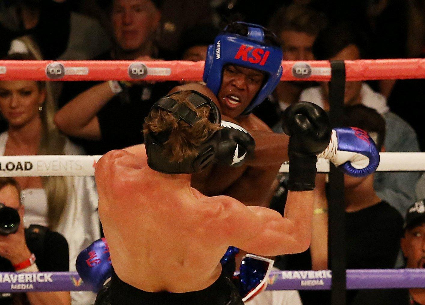 Boxing - KSI v Logan Paul - Manchester Arena, Manchester, Britain - August 25, 2018 Logan Paul in action against KSI REUTERS/Tom Jacobs