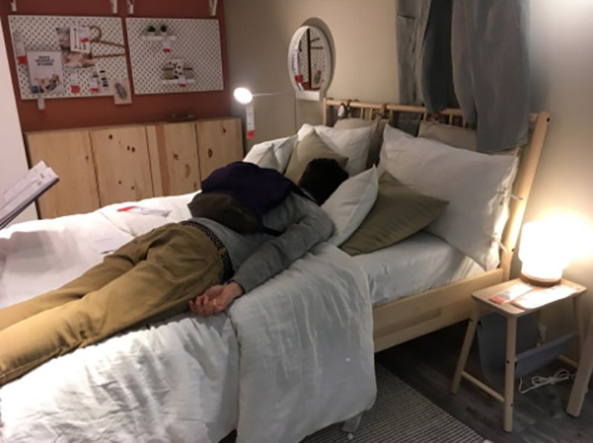 IKEA offered 200 people beds in IKEA after M25 crash leaves motorists stranded