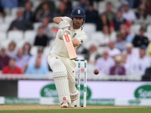 Alastair Cook helps England build lead over India in final Test innings