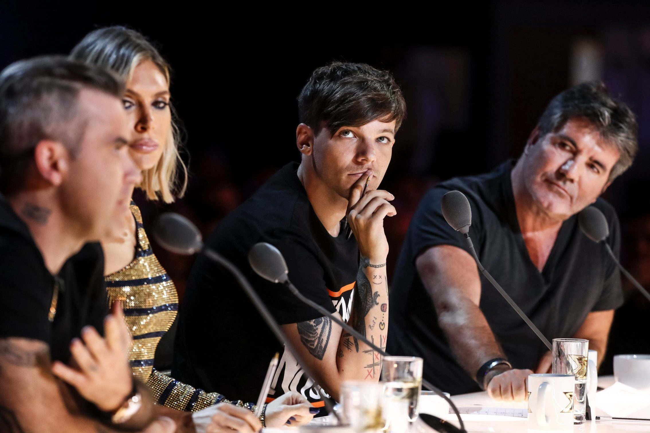STRICT EMBARGO - NO USE BEFORE 00:01GMT SATURDAY 8TH SPETEMBER 2018. EDITORIAL USE ONLY - NO MERCHANDISING Mandatory Credit: Photo by Dymond/Thames/Syco/REX (9874911am) Robbie Williams, Ayda Williams, Louis Tomlinson and Simon Cowell during Acacia K's performace 'The X Factor' TV show, Series 15, Episode 3, UK - 08 Sep 2018