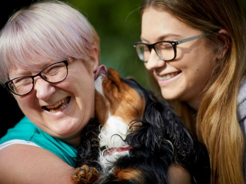 Woman opens animal therapy popup for people with mental illness