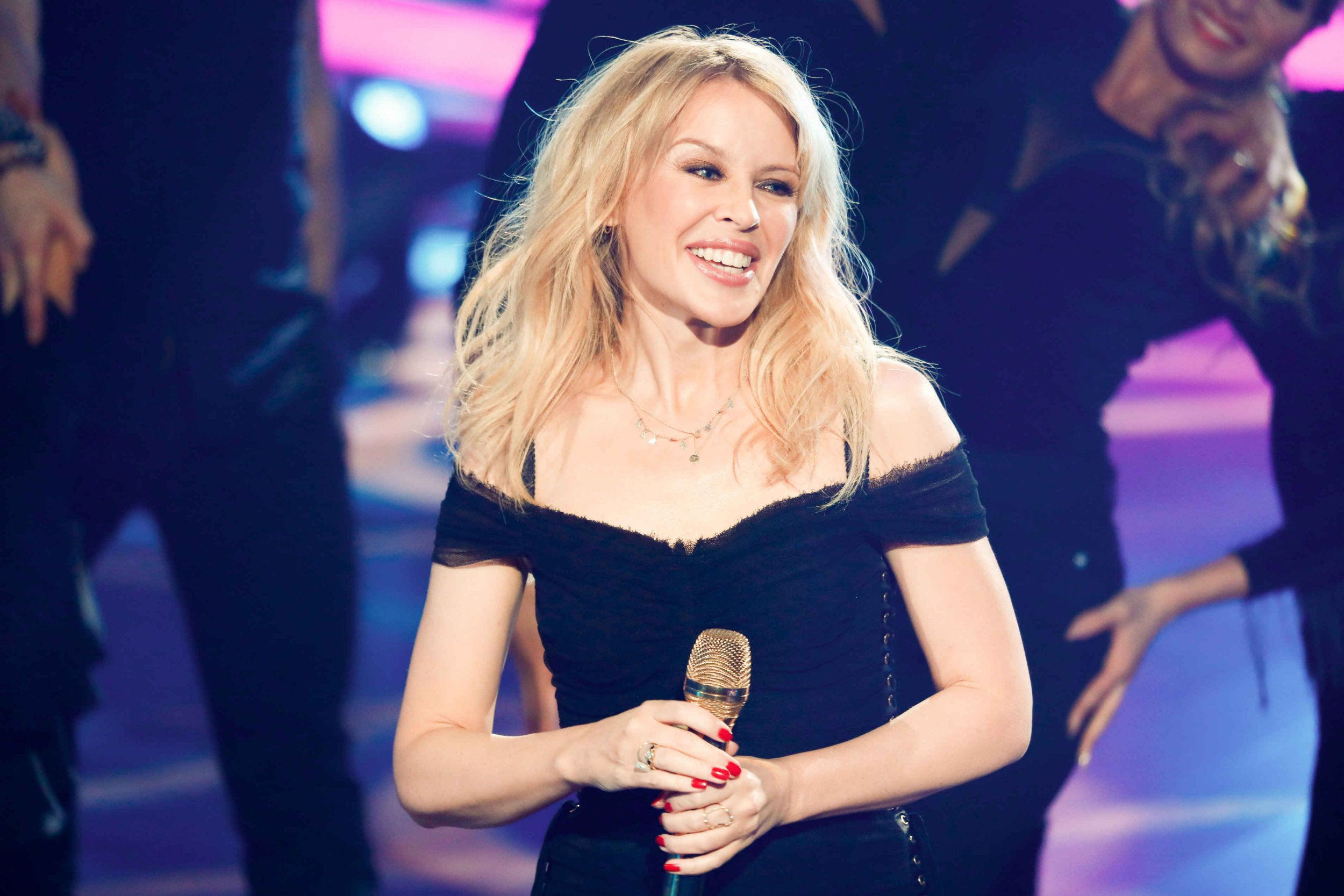 Kylie Minogue concert security 'armed with machine guns' after threat from 'mentally disturbed' man