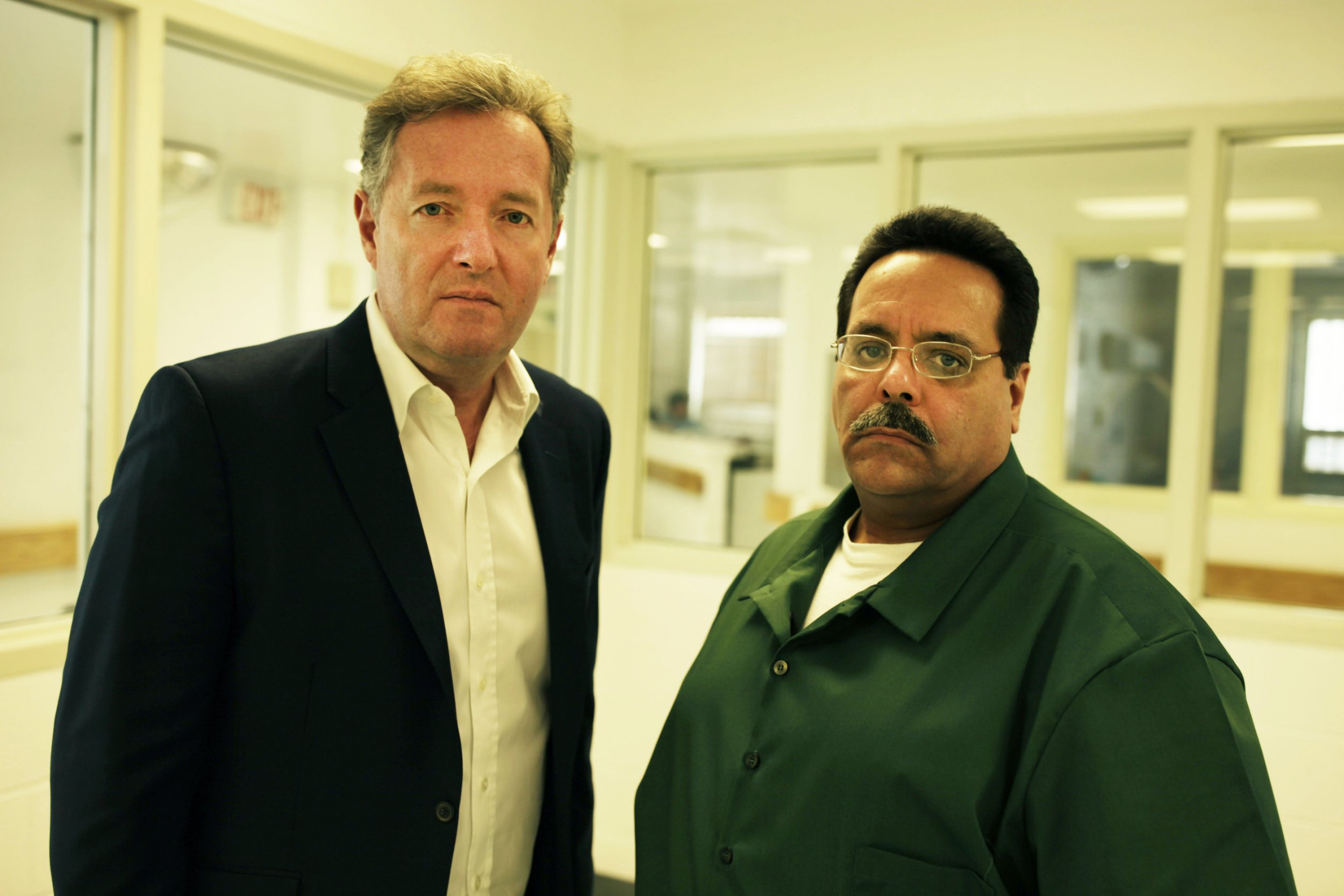 EMBARGOED PICTURE: FOR PUBLICATION FROM TUESDAY 4TH SEPTEMBER 2018 From Plum Pictures SERIAL KILLER WITH PIERS MORGAN Thursday 13th September 2018 on ITV Pictured: Pier Morgan with convicted serial killer Alex Henriquez at the Sullivan Correctional Facility in New York State In this new documentary which is part of ITV?s Crime & Punishment season, Piers Morgan goes behind bars to find the truth about a serial killer called Alex Henriquez, who is serving 75 years for three murders yet maintains his innocence. Henriquez, convicted nearly 30 years ago for murdering two girls aged 10 and 14 and a 21-year-old woman in New York has never spoken publicly about his crimes, and Piers aims to get beneath his lies and deceit to uncover the real story.