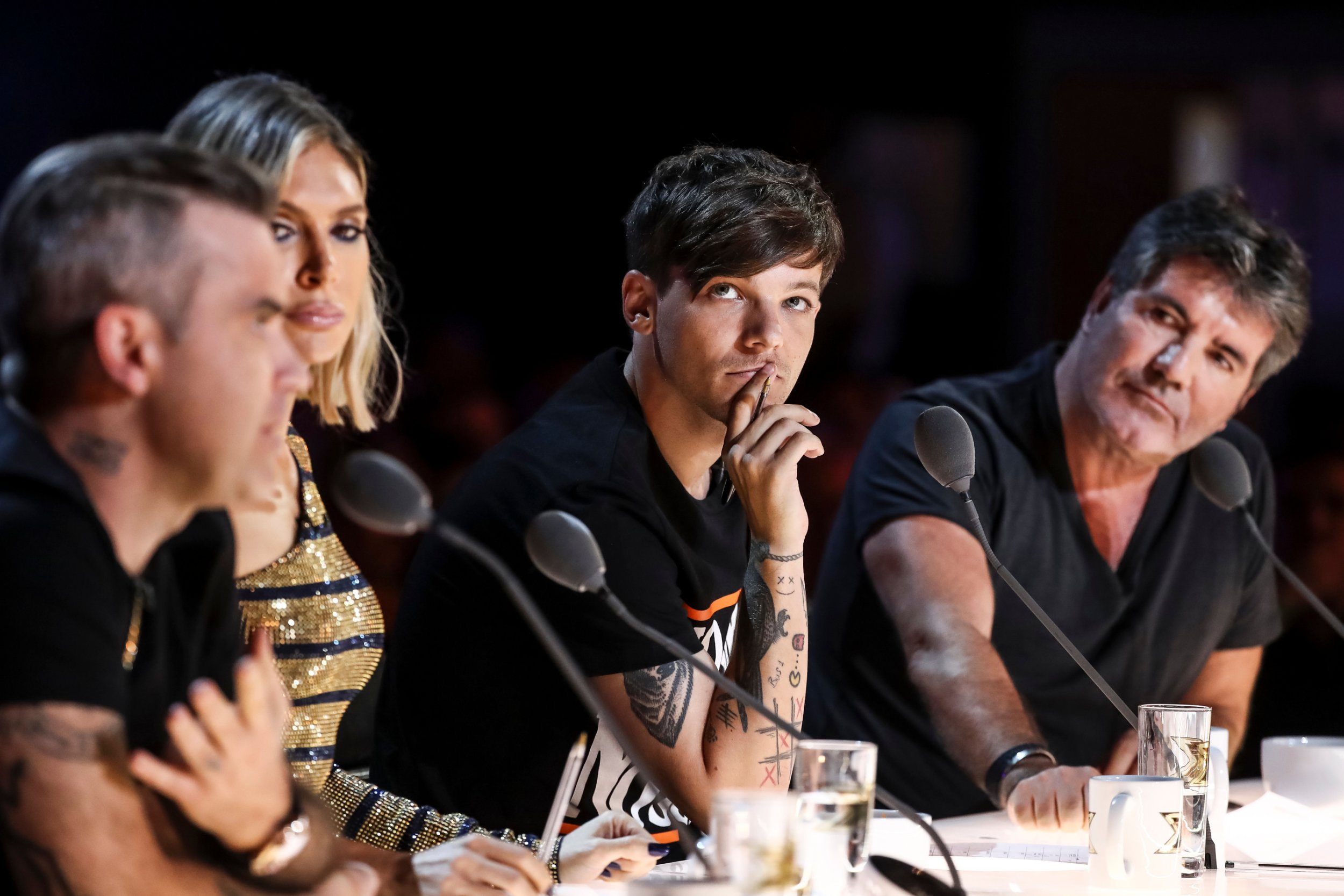 EDITORIAL USE ONLY - NO MERCHANDISING Mandatory Credit: Photo by Dymond/Thames/Syco/REX/Shutterstock (9874911am) Robbie Williams, Ayda Williams, Louis Tomlinson and Simon Cowell during Acacia K's performace 'The X Factor' TV show, Series 15, Episode 3, UK - 08 Sep 2018