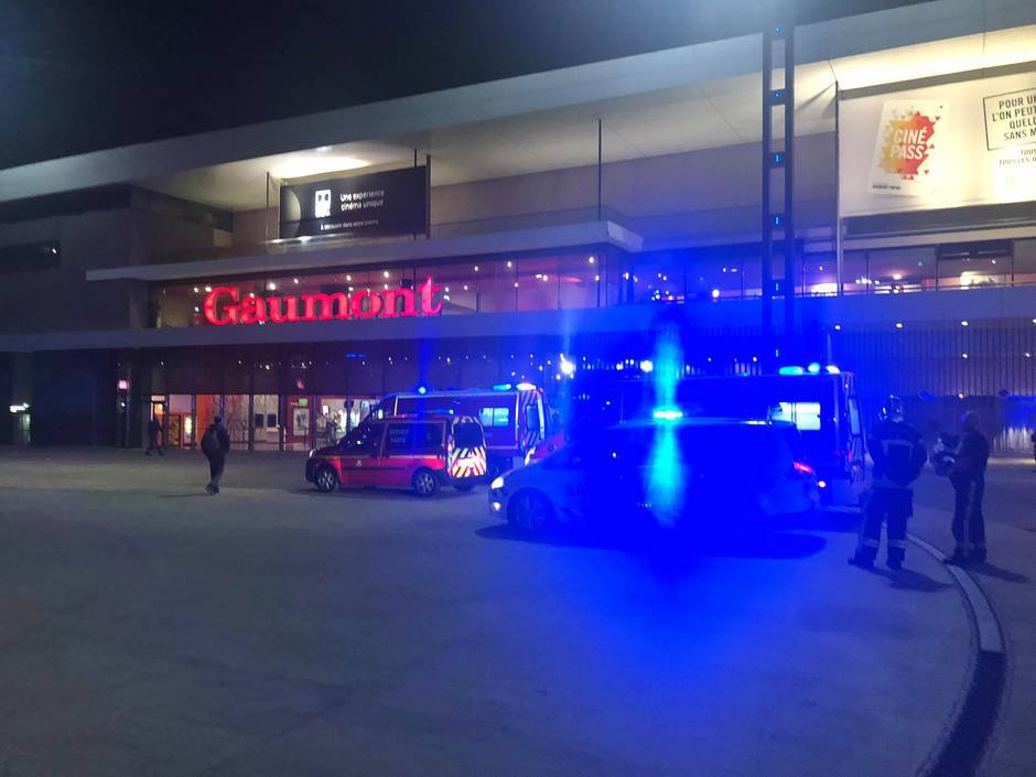 Two stabbed after knifeman storms cinema in northern France